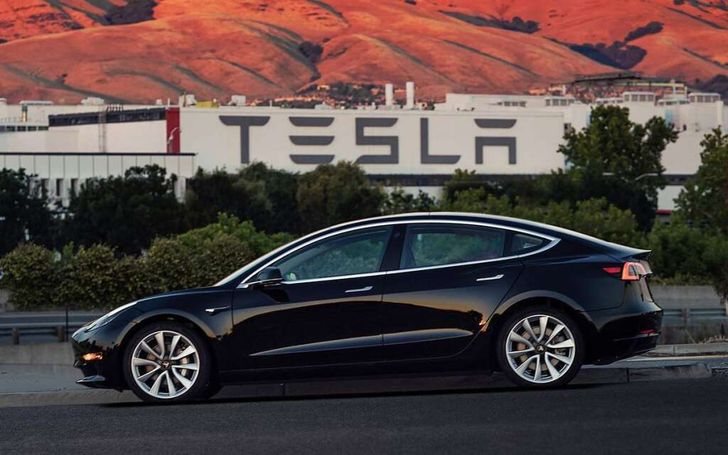 Now hail a Tesla in UAE with your Uber app