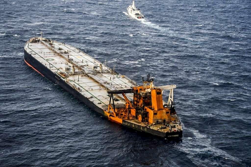 sri lanka, fire, new diamond, diesel, leaks, indian ocean