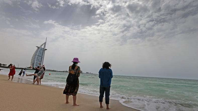 UAE beachgoers warned, rough sea forecast during weekend