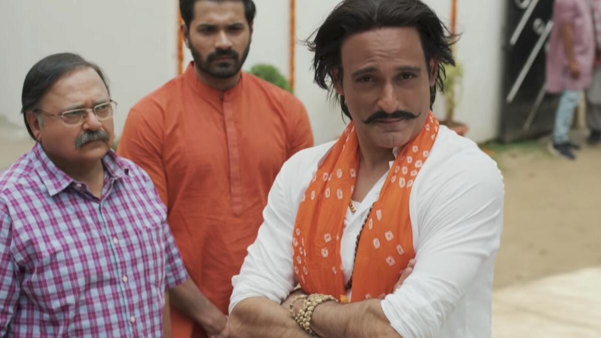 Sab Kushal Mangal, Akshaye Khanna, movie review, Bollywood, Akshaye Khanna, Priyaank Sharma, Riva Kishen, Supriya Pathak, Satish Kaushik, Mrunal Jain, Rakesh Bedi