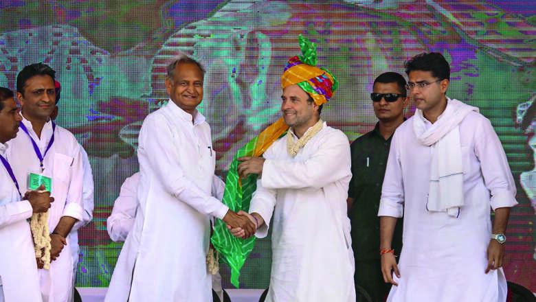 Rahul woos farmers; Modi wave missing?