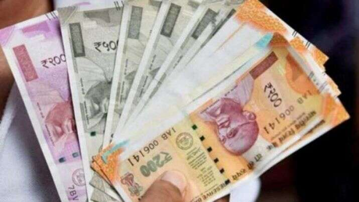 Indian Rupee Hits 19 27 Vs Uae Dirham News Khaleej Times