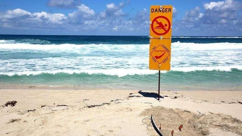 sea, beaches, abu dhabi, police, waves, swimming, families, drowning