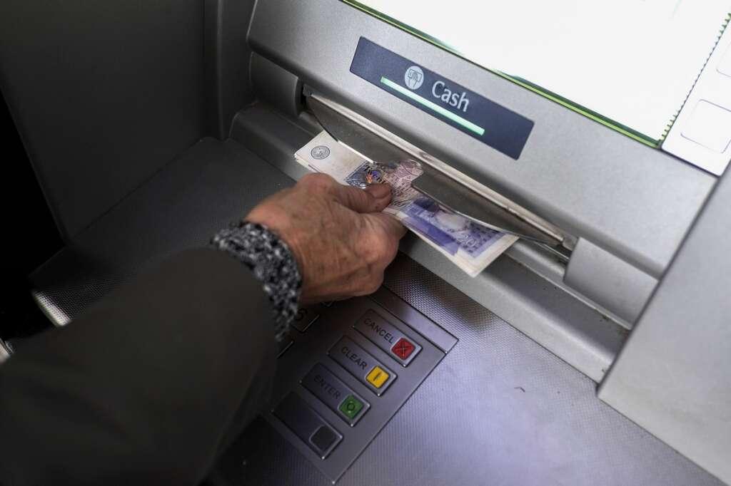 robbery, gang, ATM, thieves, crime in UAE, crime in ras al khaimah