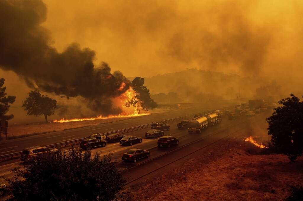 California, wildfires, homes