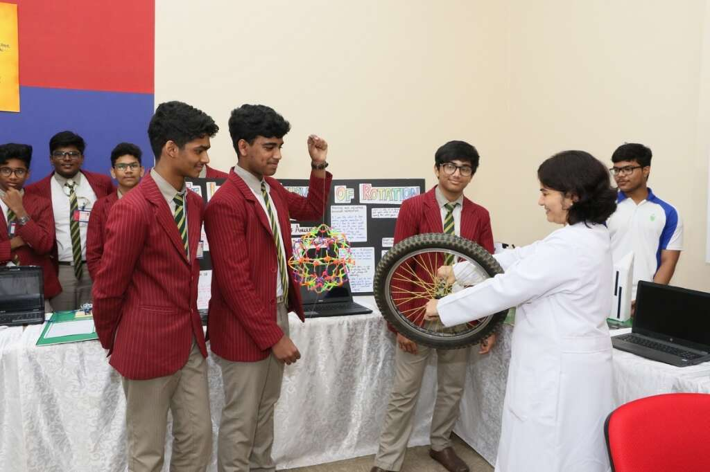 Gulf Medical University, Ajman, UAE, Medical and Science Exhibition, MASE, students, competition, education