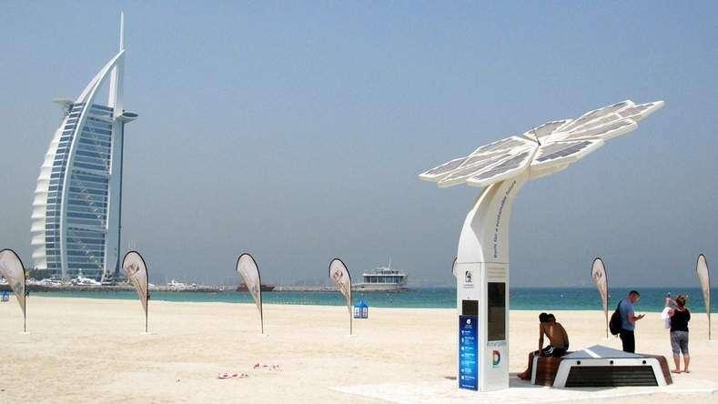 Beach Goers At Jumeirah Photo By Rahul Gajjar Khaleej Times
