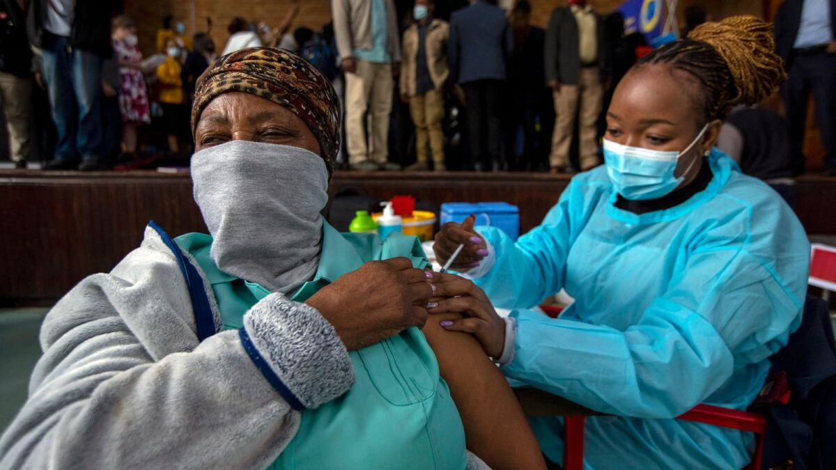 South Africa launches drive to vaccinate 500,000 in 2 days