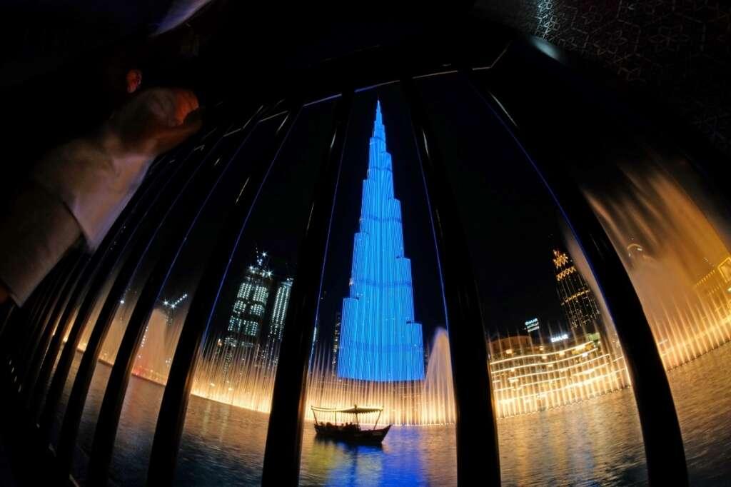 blue, burj khalifa, mom, dream, come true, british mother, sam ray