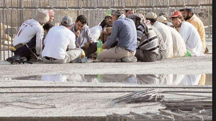 First batch of 25 crisis-hit workers head home from Jeddah