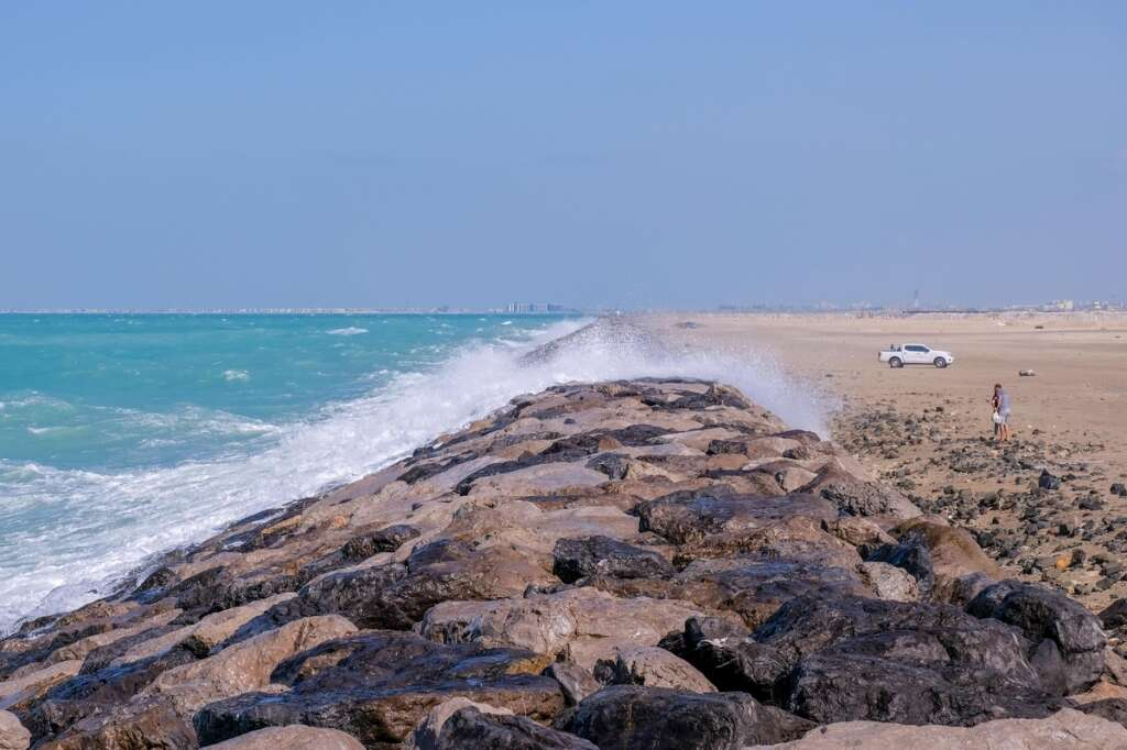 UAE offshore, Rough sea, Cyclone, Cyclone Maha