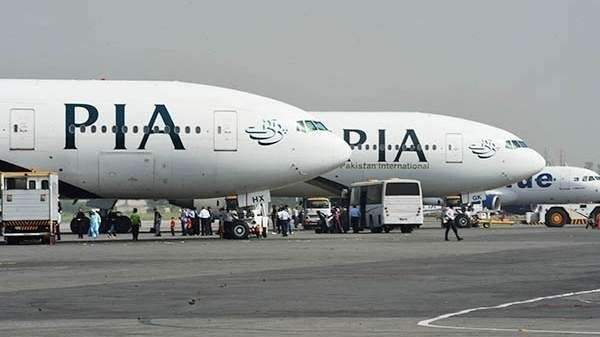 peshawar, sharjah, uae, flight, pia, technical glitch, issue, land safely, pakistan, uae, sharjah