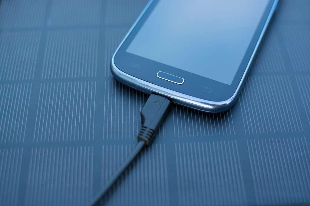 mobile phone, electrocution, death, accident, death