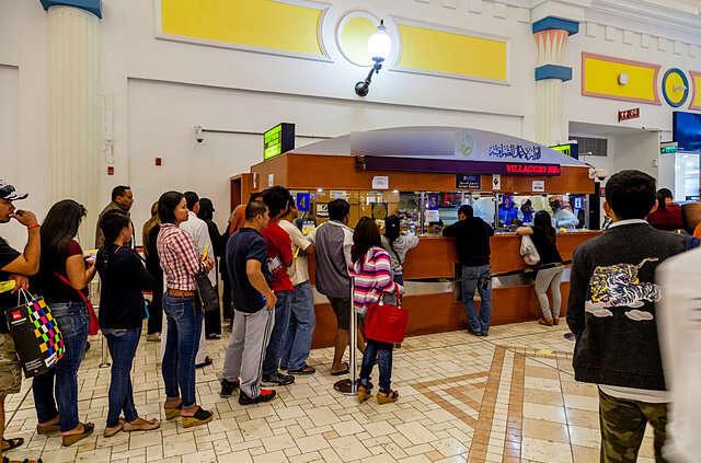 Dubai cracks down on illegal money transfer shops