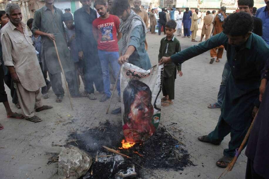 Pakistan arrests 150 over violence at blasphemy protests