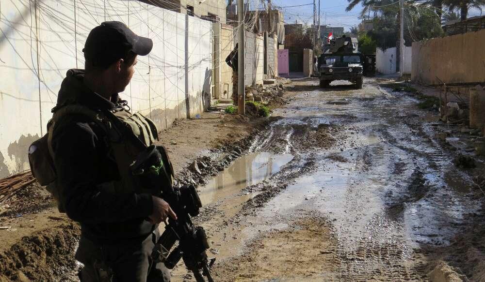 Daesh militants kill 12 in raid on Iraq police trainees