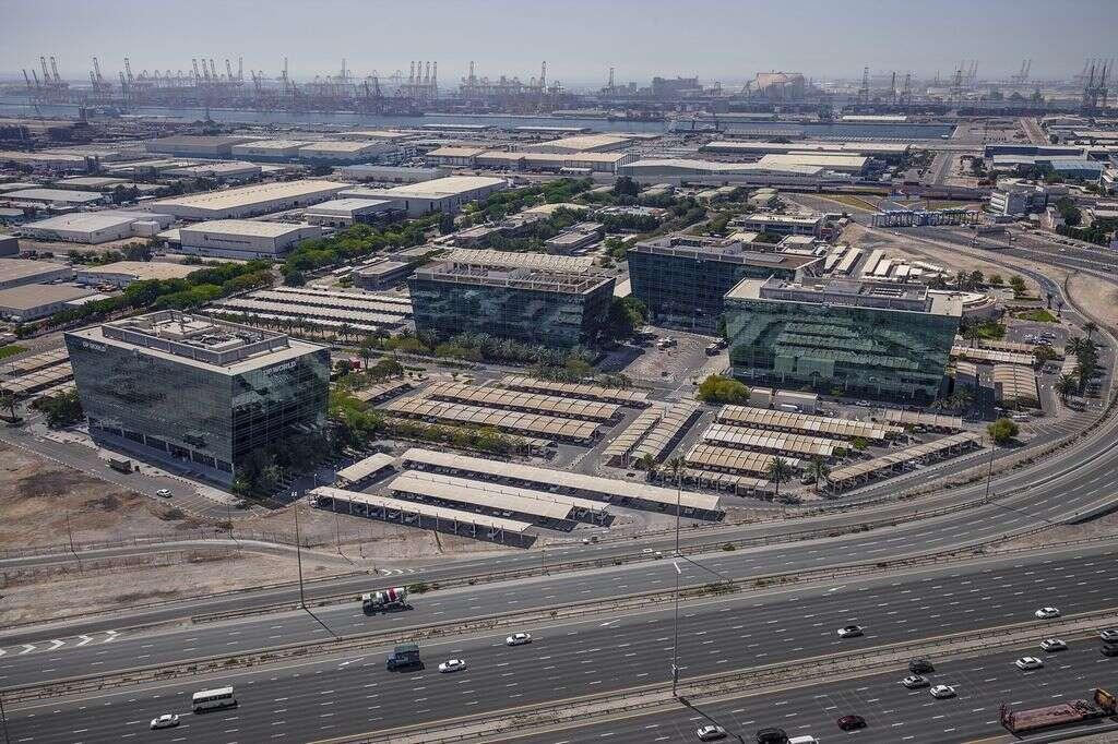Dubais non-oil foreign trade reaches Dh1.3 trillion in 2016