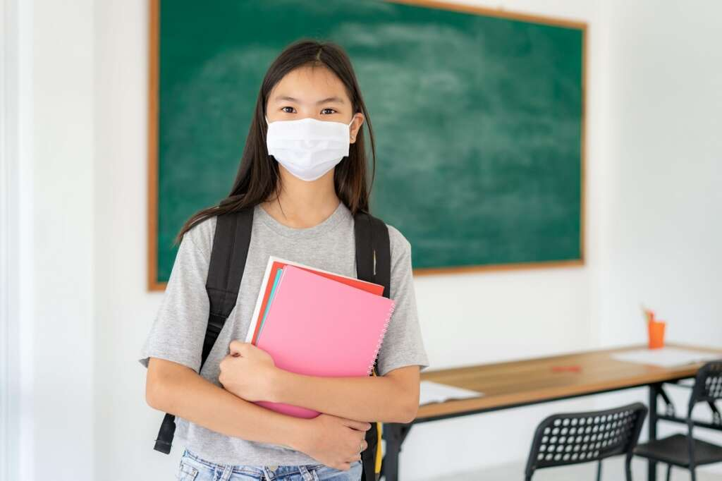 KHDA, coronavirus, covid-19, dubai schools, students wearing masks