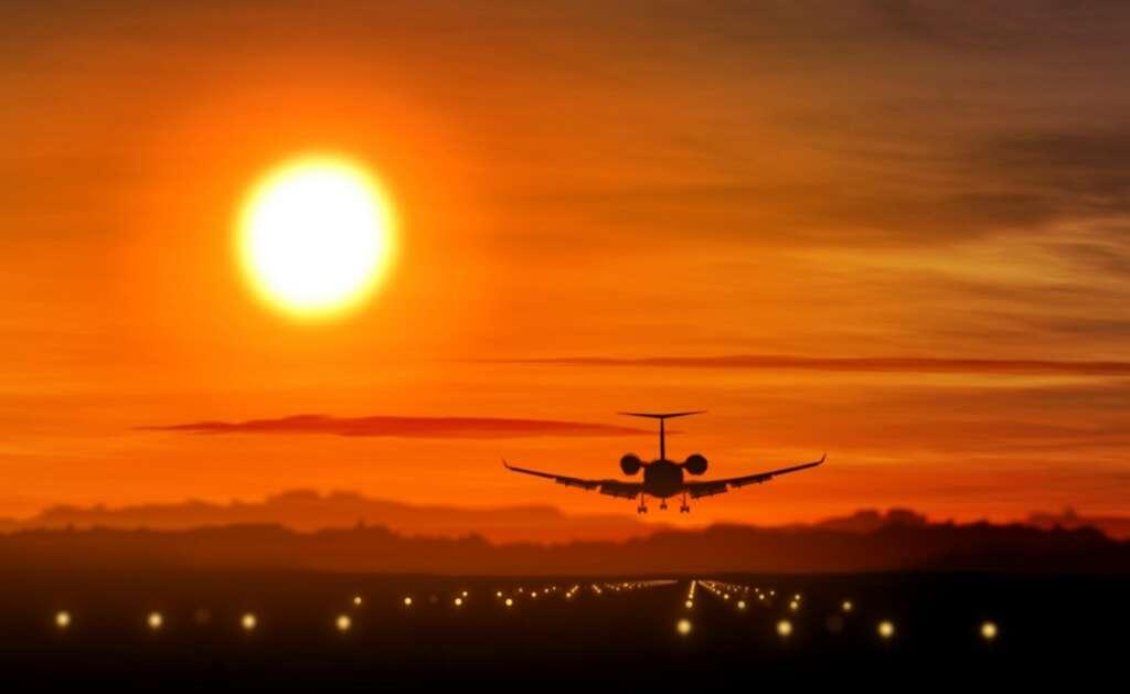 Kuwait airport, emergency landing,  Kuwait International Airport