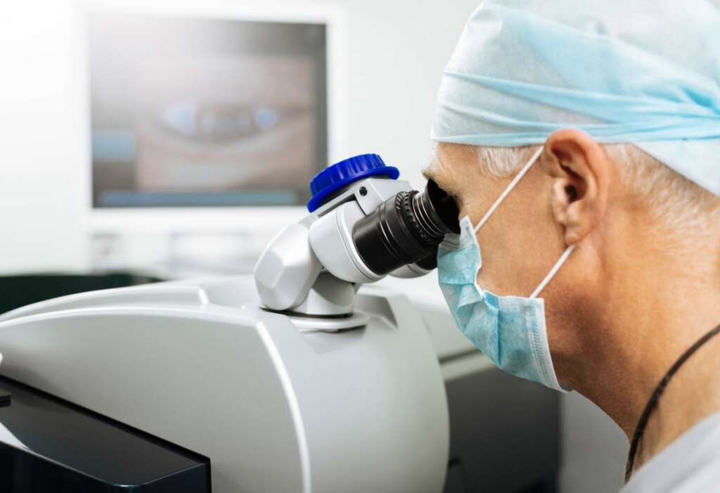 Doctors, UAE, spike, eye issues, screen time, increases,