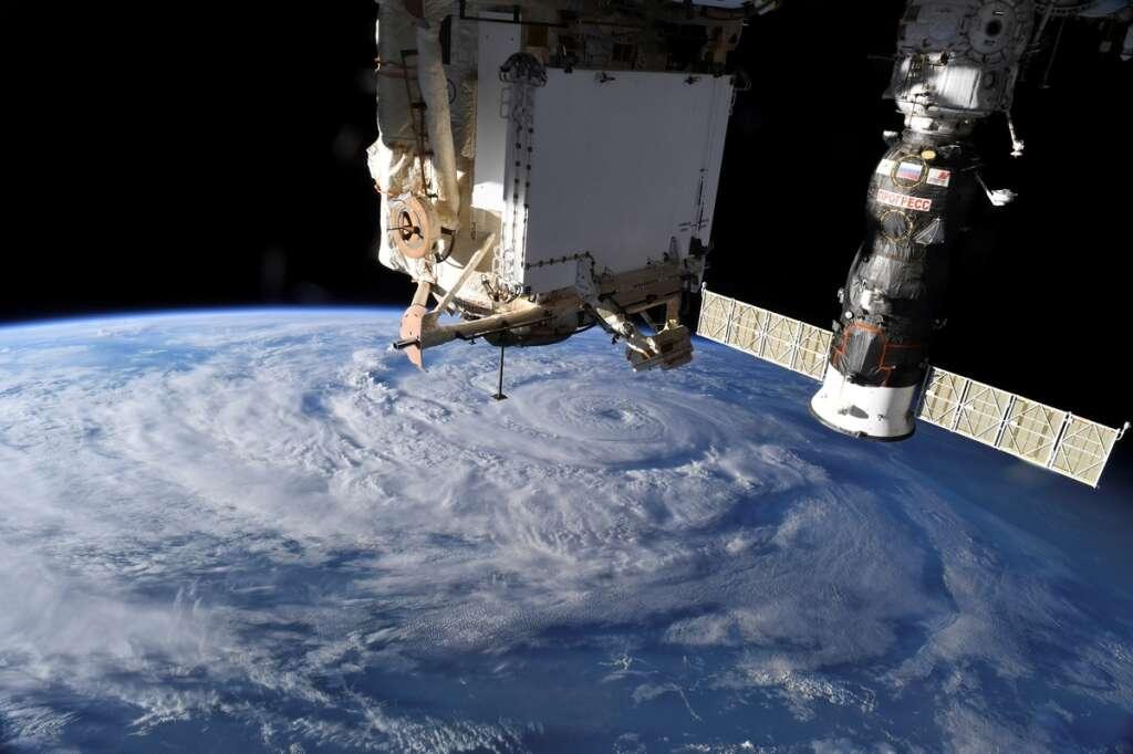 small, air, leak, no, danger, international space station, iss, crew, nasa