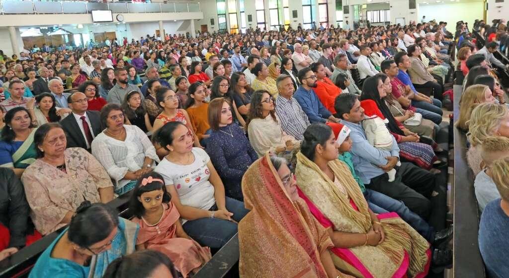 Christmas, Christian, 24 masses, 13 languages, Christmas, UAE, Churches,