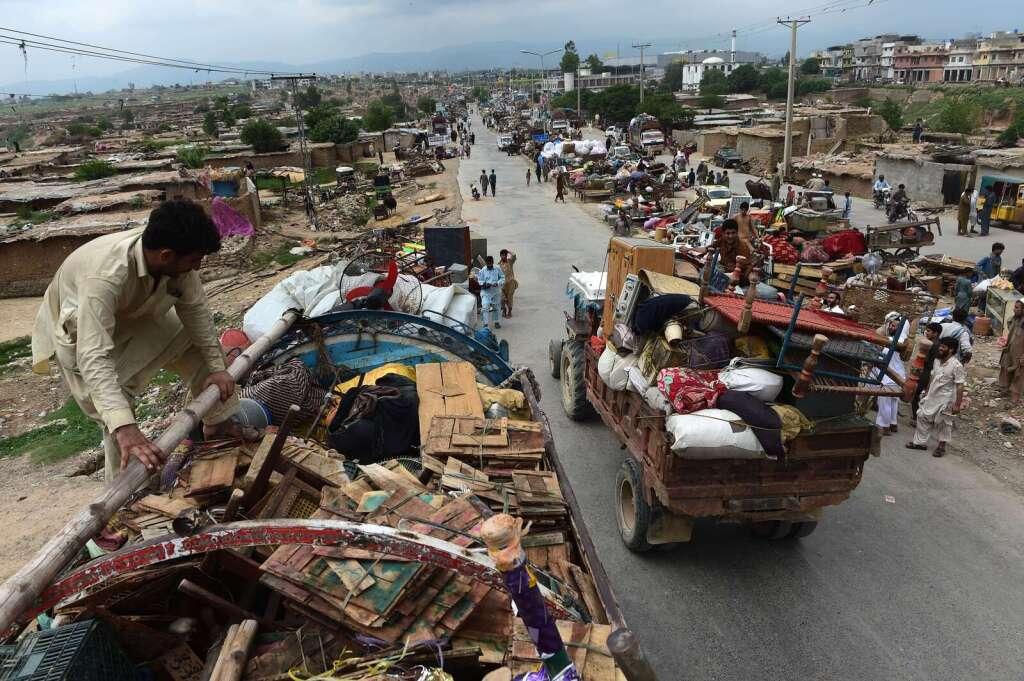 Demolition of slum homes near Islamabad exposes housing