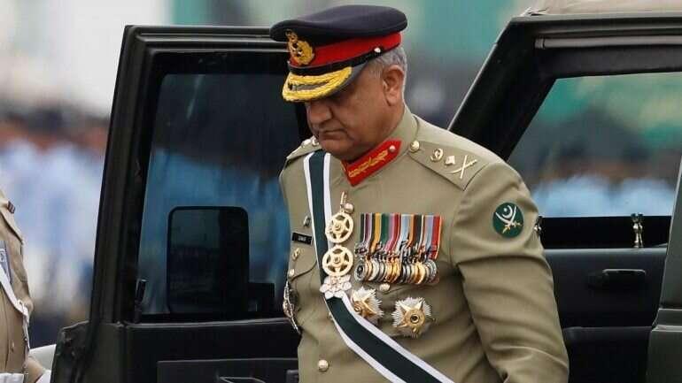 Pakistan, Army Regulations, Bajwa, Pakistan PM Imran Khan, Qamar Javed Bajwa,