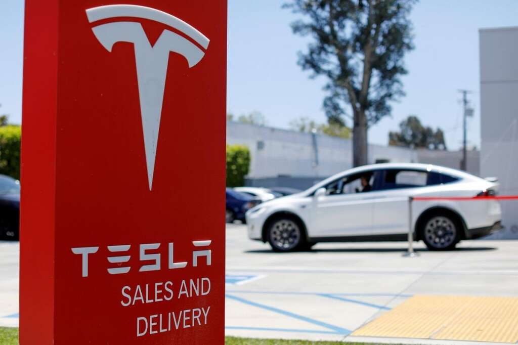 electric vehicle maker Tesla, Elon Musk