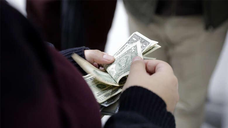 US dollar turns safe haven for investors