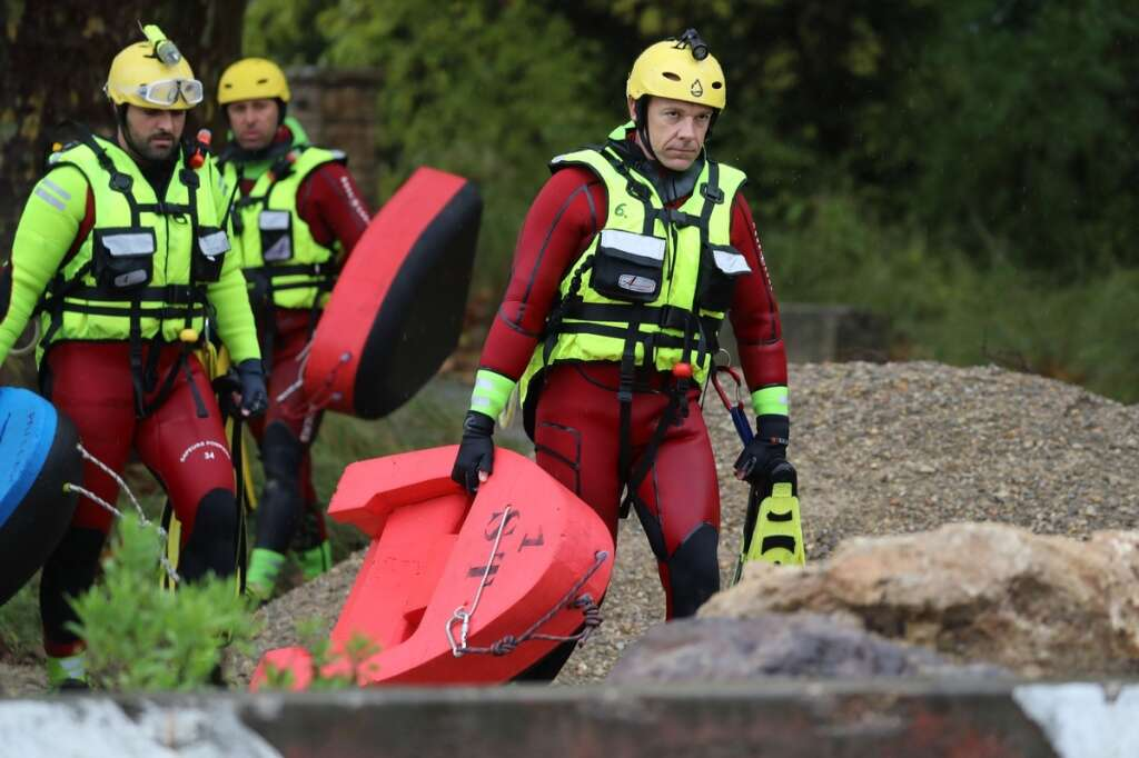 French flood rescuers, Frence, floods