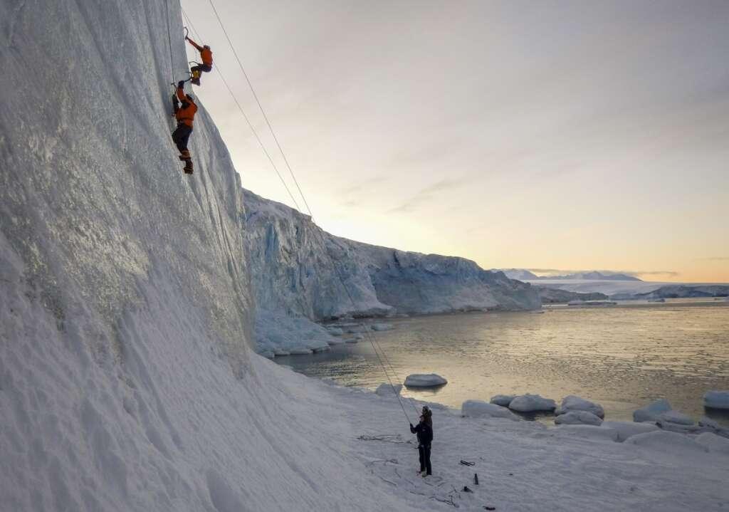 Antarctica, 1,000 scientists, South America