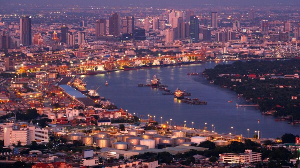 Thailand seeks to slash quarantine period for visitors