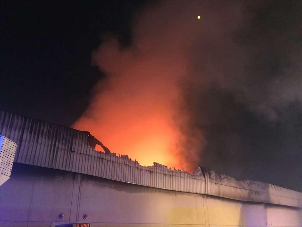 Massive Dubai warehouse blaze doused in record time