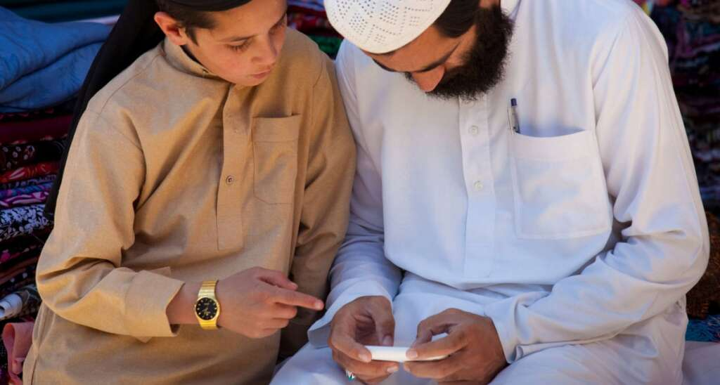 Most Pakistanis dont know what internet is: Survey