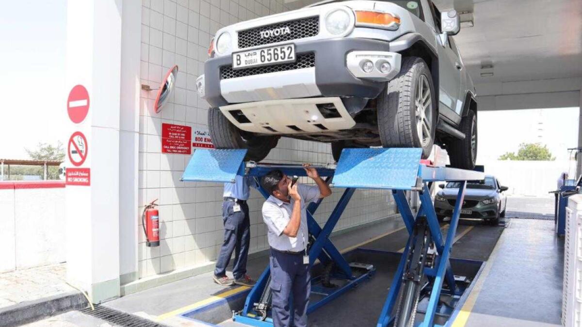 Renew vehicle registration online in UAE or face fine