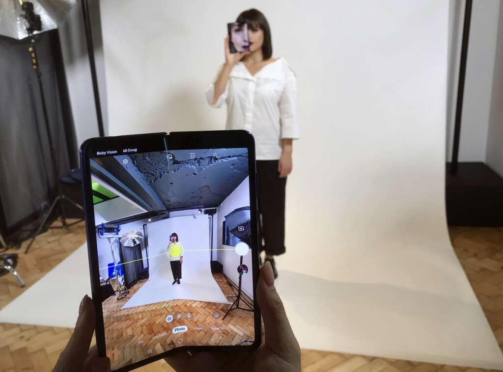 Does Samsung still have time to correct its foldable smartphone dream?
