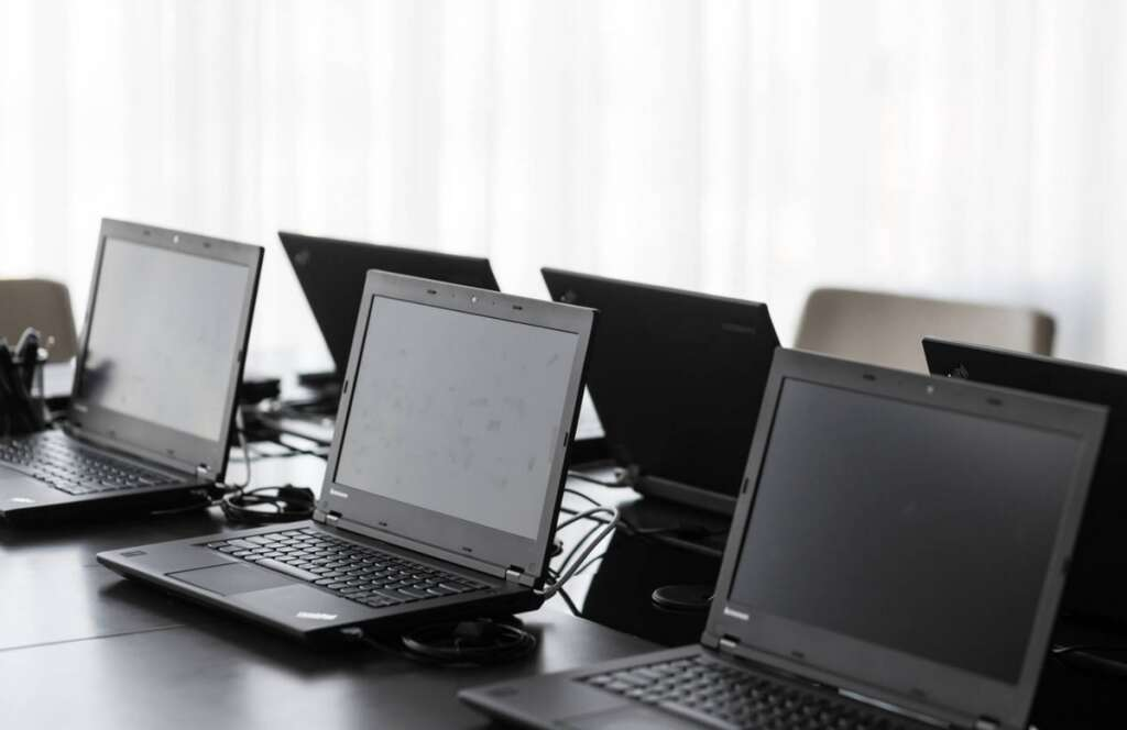 Gang, stole, 662 laptops, worth, Dh2.4 million, busted, Sharjah