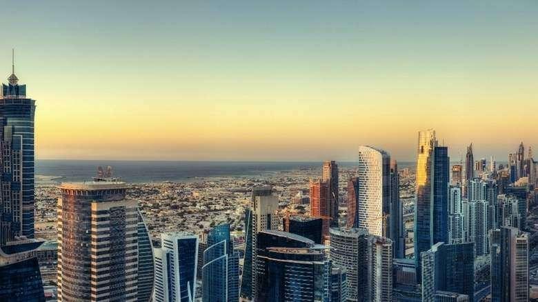 Dubais non-oil private sector economy expands in March