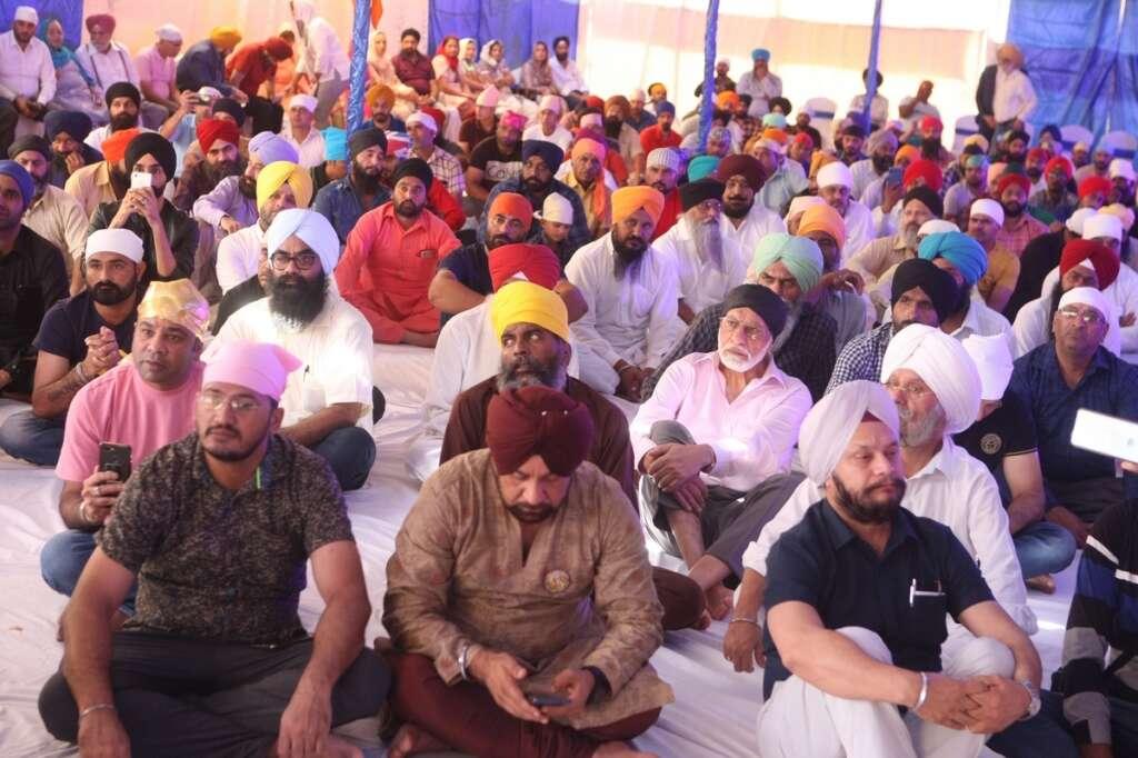 Hundreds, mark, Guru Nanak Dev, 550th birth anniversary, Dubai, Guru Nanak Darbar, five-day-long celebrations, Guru Nanak Jayanti, UAE, Kartarpur Corridor