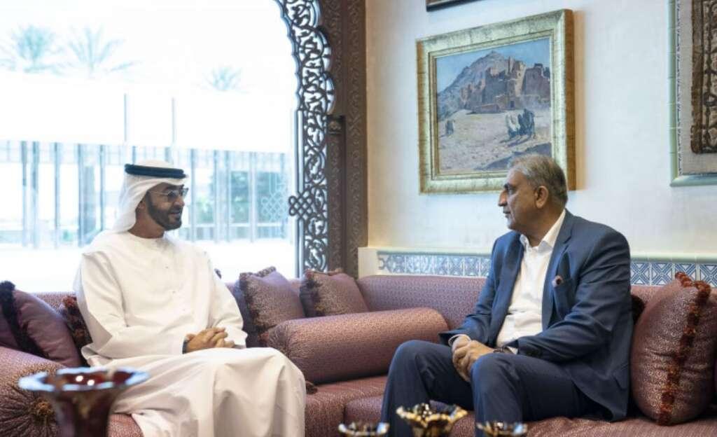 Mohamed bin Zayed, receives, Pakistan Army Chief of Staff, General Qamar Javed Bajwa, Al Bahr Palace, UAE Armed Forces,