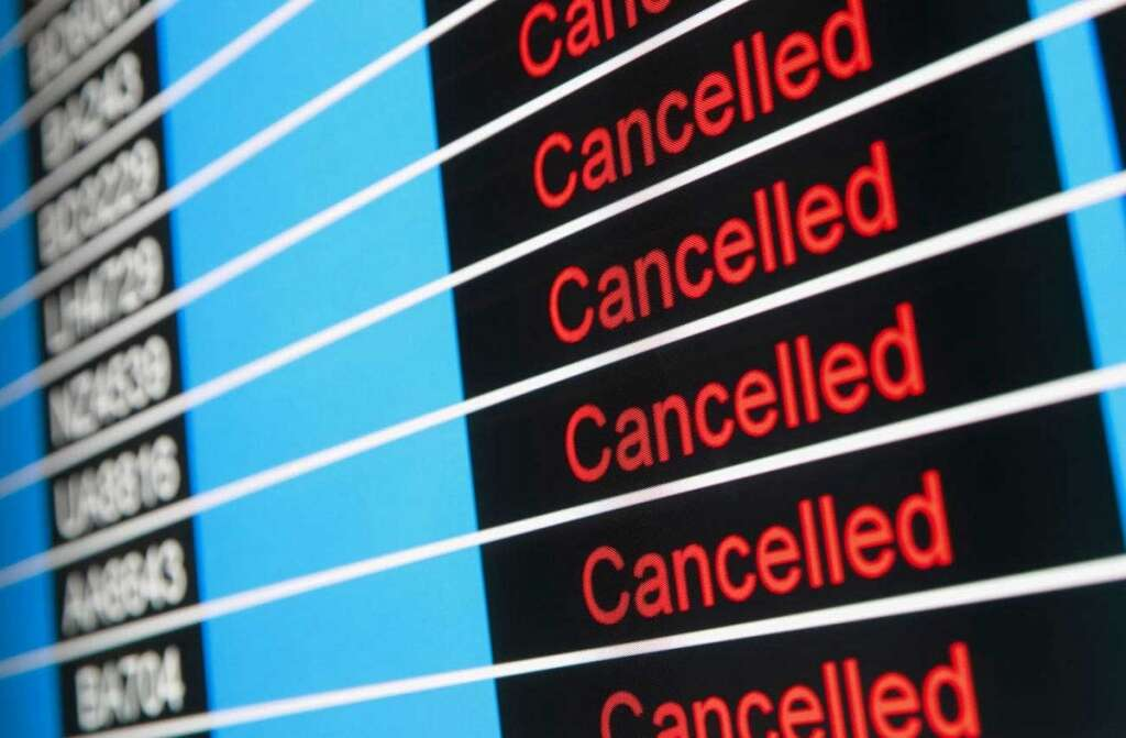 1,000 flights, cancelled, Chicago, winter storm, Chicago area, O'Hare International Airport,
