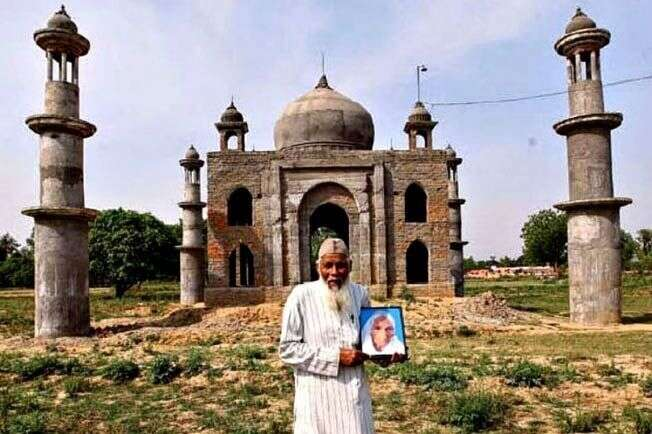 Indian man who built Mini Taj Mahal for wife dies in road accident