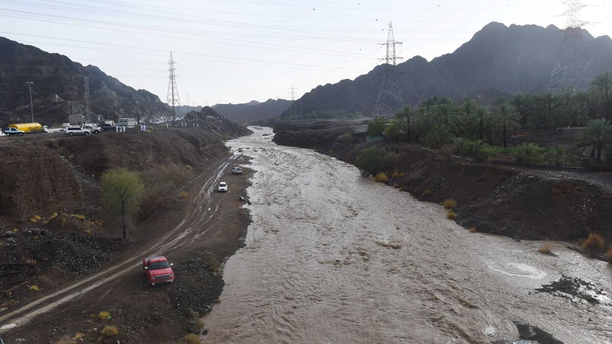 Hailstorm, rains in Ras Al Khaimah; valleys flooded