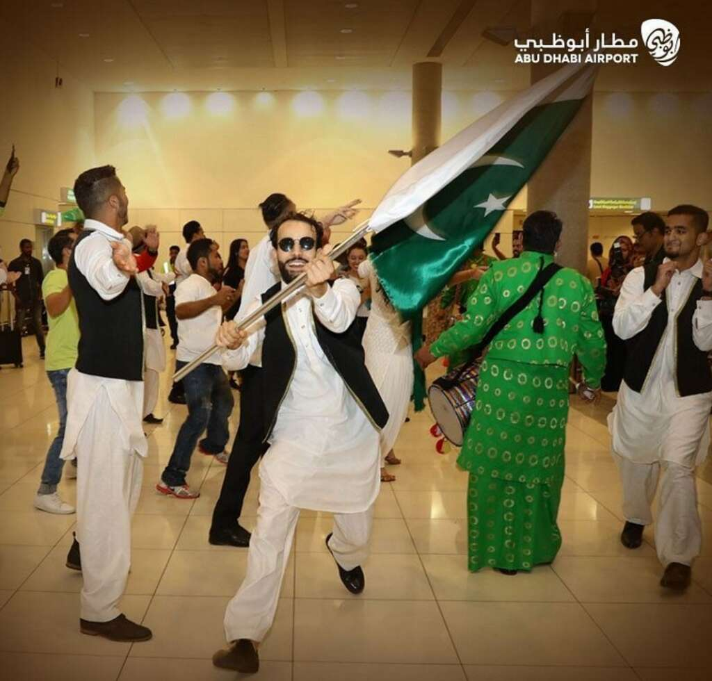 Video: Abu Dhabi airport celebrates India, Pakistan Independence Days