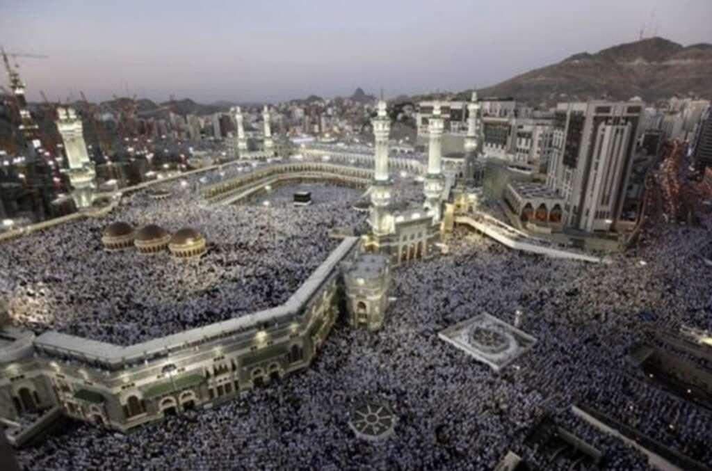 Saudi Arabia allows Umrah pilgrims to visit all cities