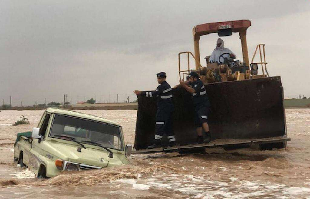 emiratis, rescued, flooded valley, uae, wadi, al ain, heavy rains, rain in uae, weather report, weather update