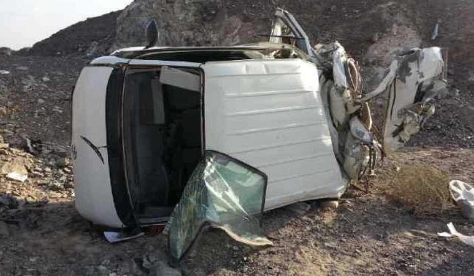 1 killed, 4 injured as car flips over on UAE road