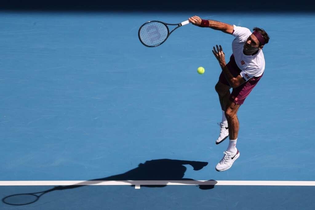 Miracle man Federer sets up Djokovic semifinal