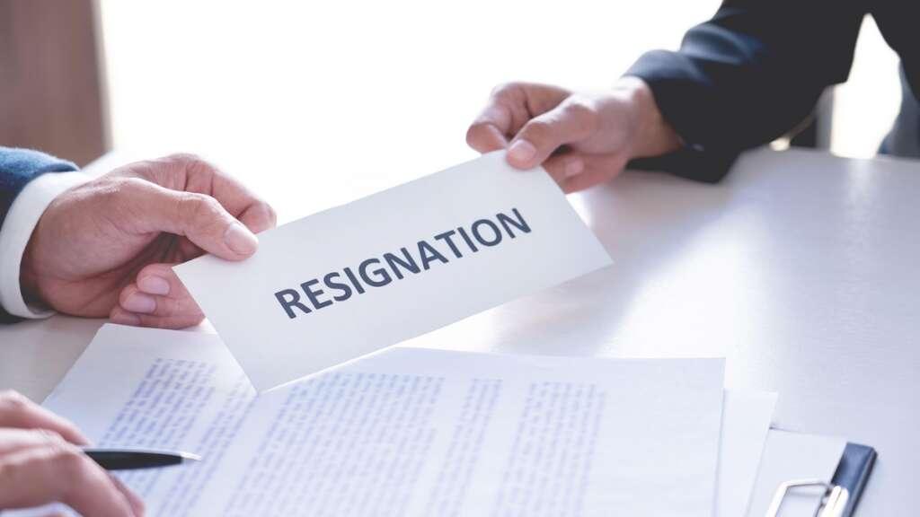 Dubai, job, UAE residency visa, law, UAE law, legal view, employer,